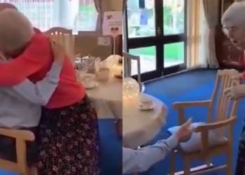 Tras meses separados por la pandemia pareja de abuelitos se vuelve a encontrar