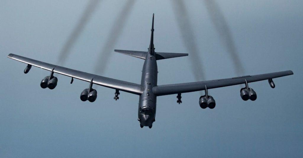 EE.UU. envía dos aviones de combate a Medio Oriente como un acto de intimidación hacia Irán
