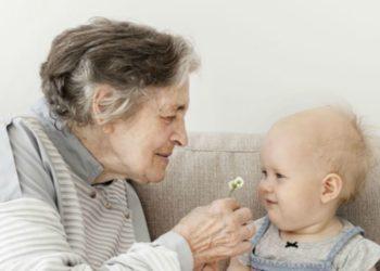 """La abuela australiana insiste en que """"no es una guardería"""" y tiene sus propias ocupaciones. Foto referencia Freepik."""