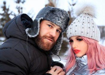 Fisicoculturista que se casó con una muñeca de silicona asegura que ella está rota