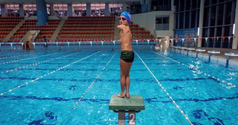 Niño de 10 años que nació sin brazos fue escogido como el 'Deportista del año'