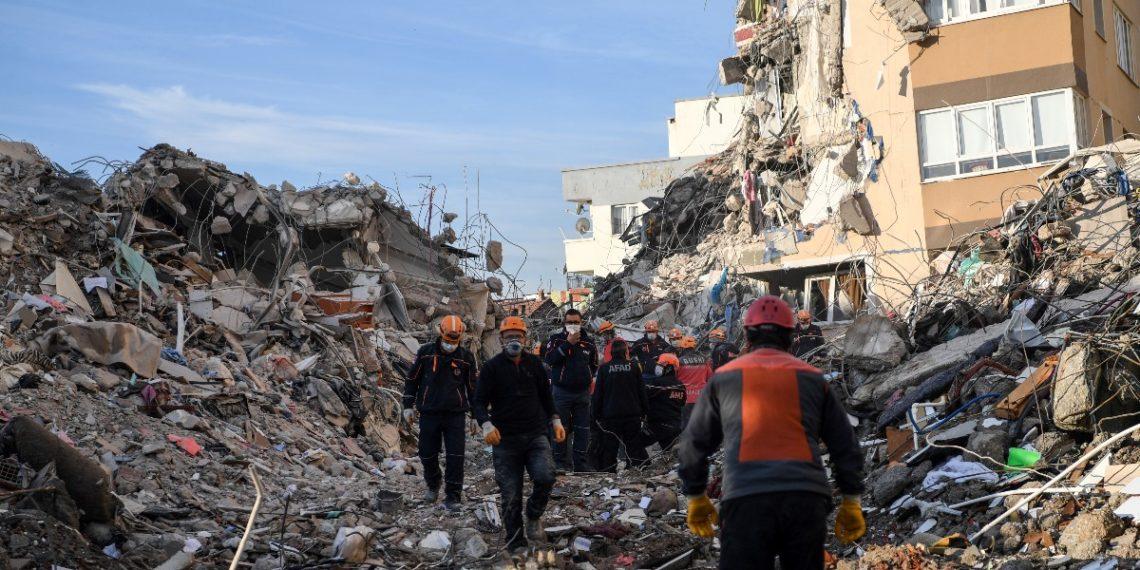Pocos son los supuestos pronósticos positivos para el 2021. Imagen referencia: AFP/Terremoto en Turquía 2020