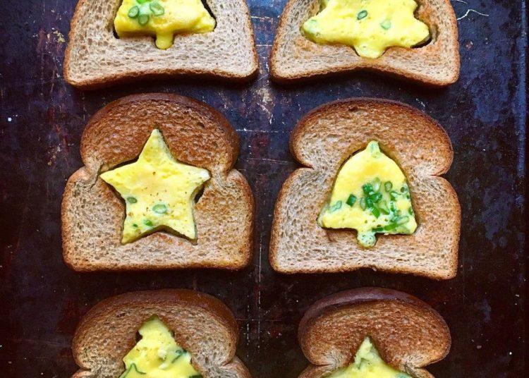Huevos en figuras emblemáticas de Navidad