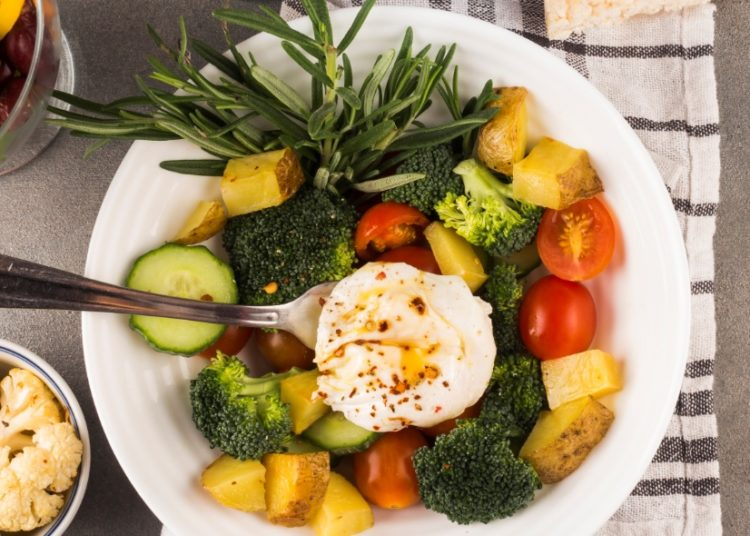 Brócoli, tomate y pepino