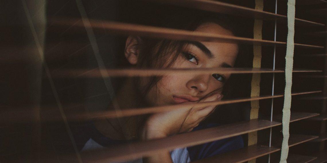 Triste en Navidad aprende qué es la depresión estacional