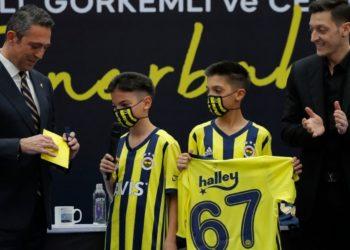 Presentación de Ozil con el Fenerbahçe: la historia de su nuevo número