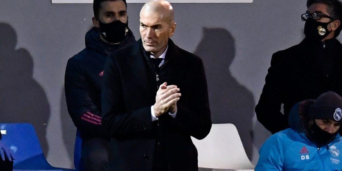 """Zidane sigue con síntomas de COVID-19, pero está """"mejor cada día"""""""
