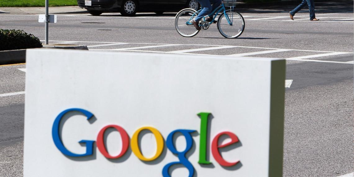 Google Maps capta caída de un hombre