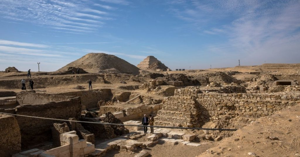 sarcófagos en saqqara
