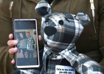 osos para recordar a las víctimas del COVID-19