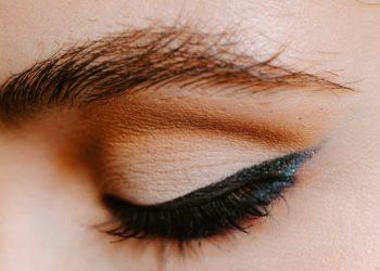 Cejas laminadas la tendencia que promete rejuvenecer tu look