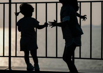 Detenida madre que envió a su hija de 3 años sola en un taxi a la guardería