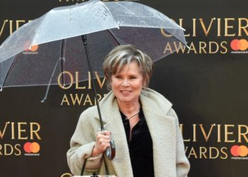 Imelda Staunton interpretará a la Reina Isabel en temporadas finales de The Crown. Fuente: AFP