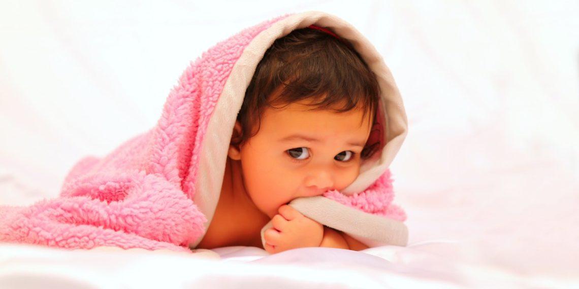 Por qué es tan importante que tu hijo tenga una mantita de apego
