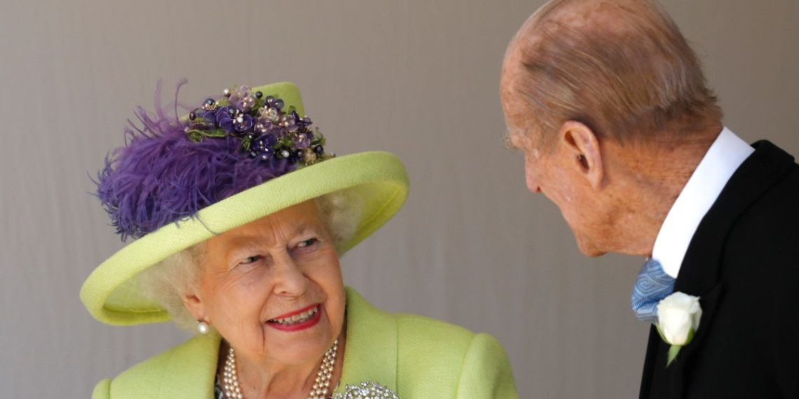 La Reina Isabel y el Príncipe Felipe fueron vacunados contra el COVID-19. Fuente: AFP