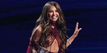 Thalía y otros famosos que han mantenido a sus familiares en un asilo