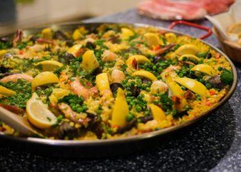 Receta e ingredientes para hacer arroz con mariscos