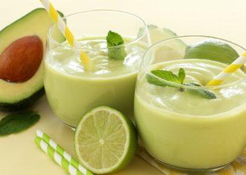 Recetas saludables de batidos con aguacate y leche