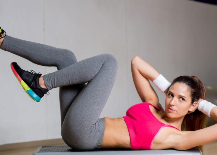 Rutinas de ejercicios de cardio sin saltos para perder peso en casa