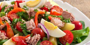 Ensaladas de atún saludables, frescas y nutritivas para bajar de peso