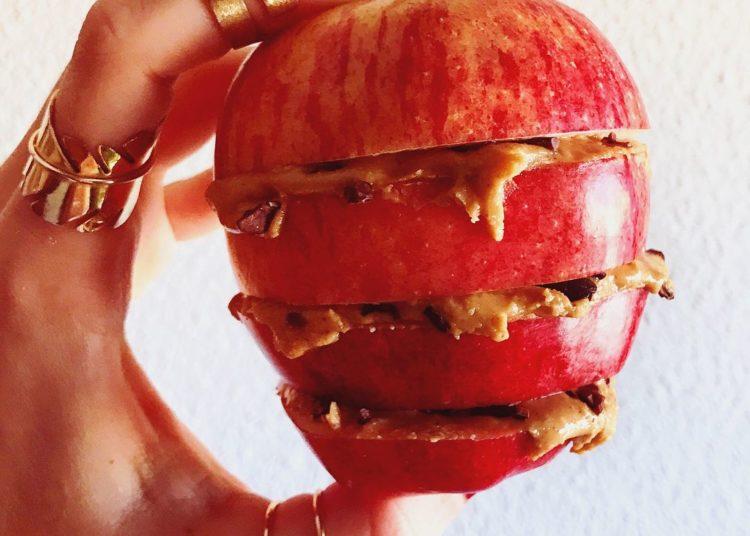 Manzana y mantequilla de maní