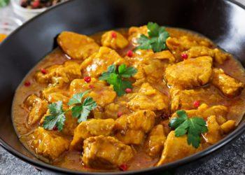Receta de pollo al curry con verduras