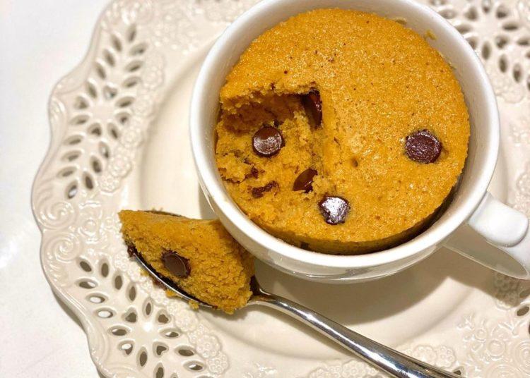 Mug cake con chispas de chocolate