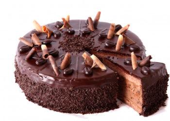 Receta de la abuela: tarta de galletas y chocolate con nata y café