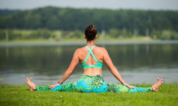 Prácticas de yoga para conseguir una rutina fitness y saludable