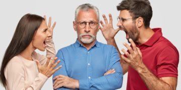 Vivir con padres tóxicos y ancianos cerca de los 30 o 40 años