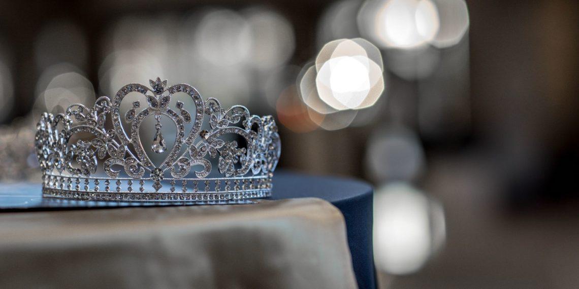corona Miss Chica Trans