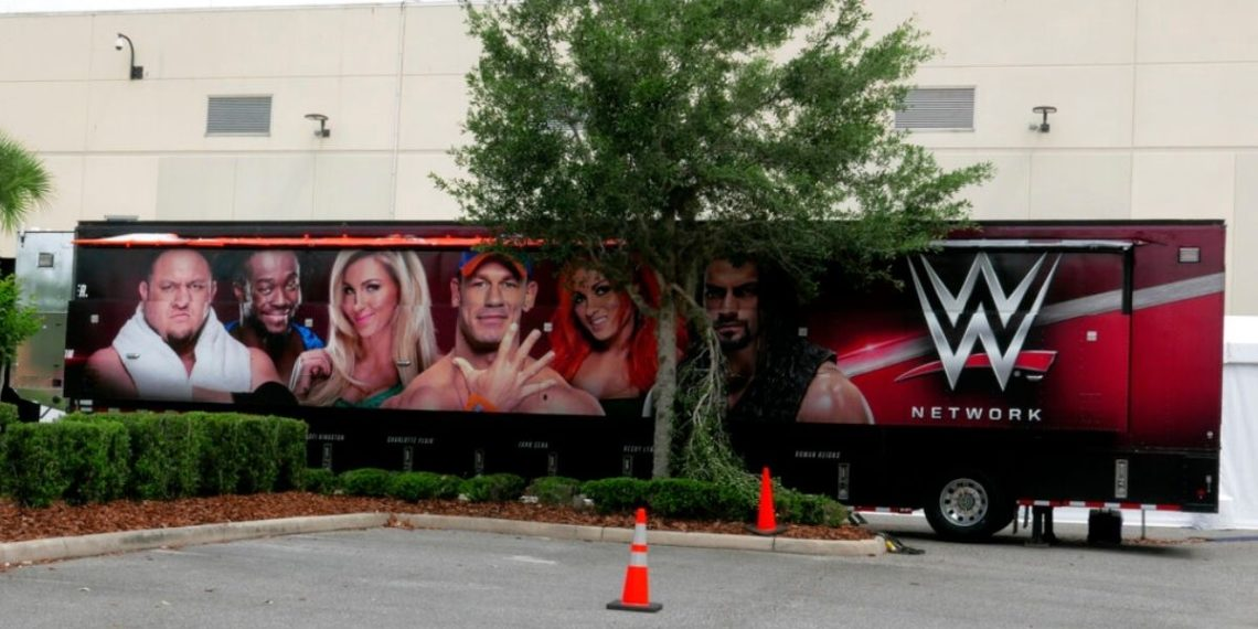 Antigua estrella de la WWE, Tyler Reks, se declara mujer transgénero