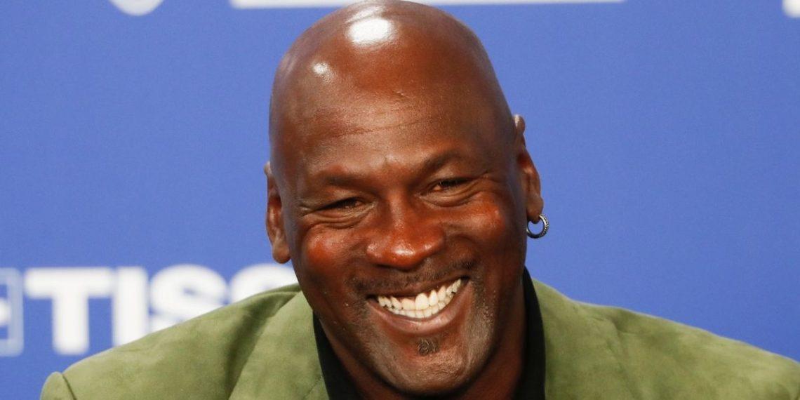 Michael Jordan dona 10 millones de dólares a clínicas médicas en EE.UU