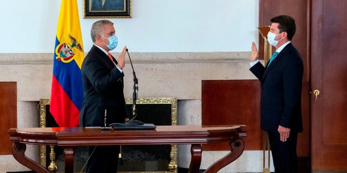 Diego Molano asume como ministro de Defensa