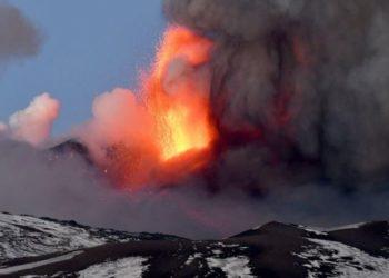 erupción del volcán Etna en Italia