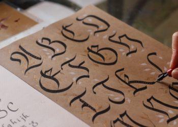 Tu escritura a mano delata desde tu personalidad hasta enfermedades, según investigadores
