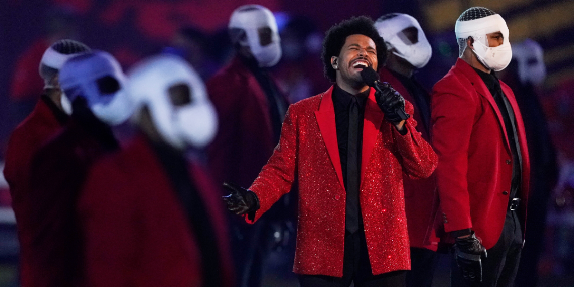 The Weeknd se toma el Super Bowl con sus éxitos
