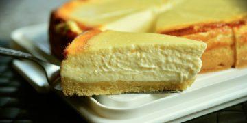 Receta de cheesecake con yogurt: un pastel horneado, sencillo y libre de culpa