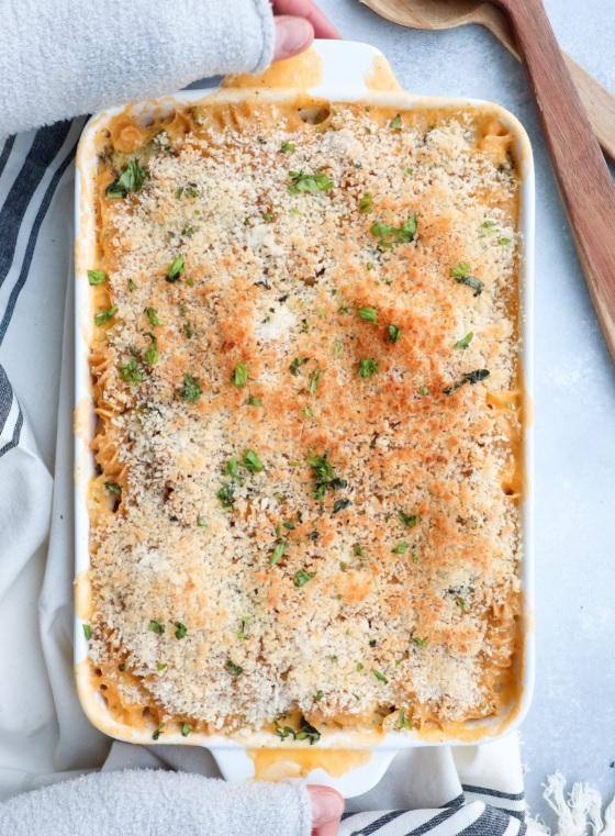Con pasta y queso cheddar