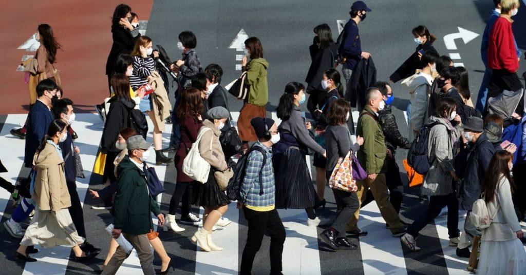 Japón crea un ministerio de la soledad para enfrentar los suicidios