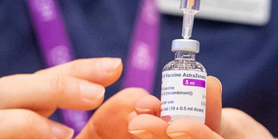 La vacuna de AstraZeneca es menos efectiva frente a la variante sudafricana del COVID-19