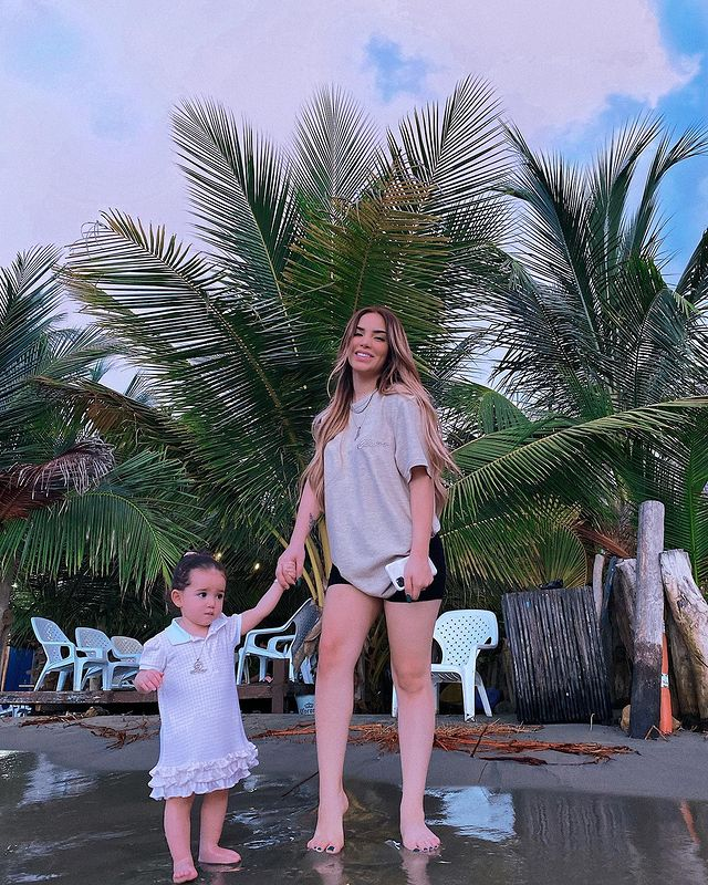 Kimberly Loaiza y su hija