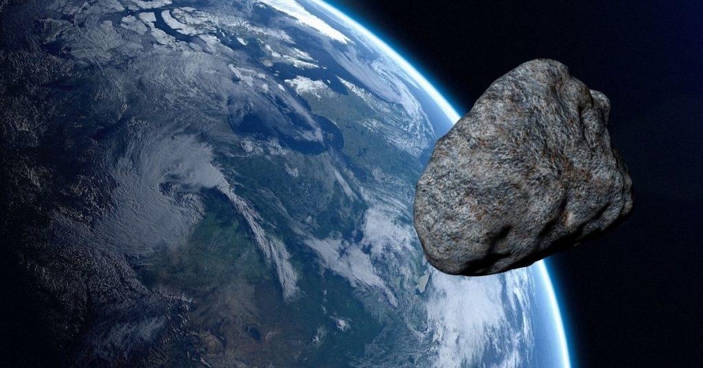 asteroide que se aproximará a la Tierra y el sistema solar