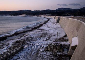 Japón construyó imponentes diques ante la amenaza de los tsunamis. Foto: AFP
