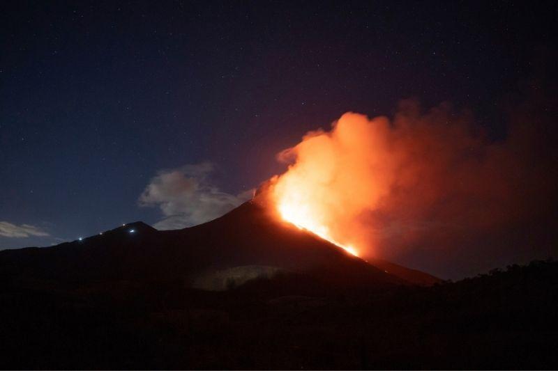 Volcán Pacaya que cumple más de 48 horas de erupción