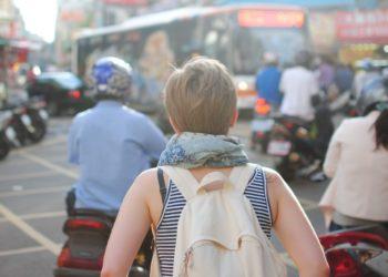 Mochilera a los 40: así viven quienes lo dejaron todo para vivir su sueño de viajar