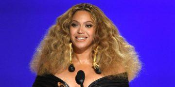 Olvídate del peine: Beyoncé impone la tendencia del cabello con frizz