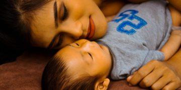 Tener un hijo puede envejecer tus células 11 años, descubren investigadores