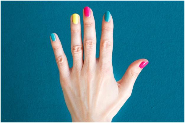 Colores de uñas que no pueden faltar en tu colección de esmaltes para primavera 2021