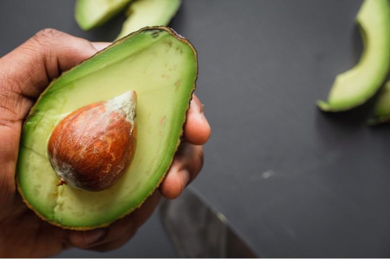 ¿La semilla de aguacate tiene beneficios para la salud?